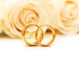 Kỷ niệm ngày cưới bố mẹ nên tặng quà gì?